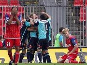 Slavia vede 3:2.