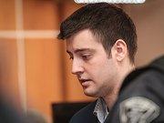 Doživotí čeká na Kevina Dahlgrena, který podle rozsudku soudu před třemi lety kompletně vyvraždil čtyřčlennou rodinu svých příbuzných v brněnských Ivanovicích. Američan se na místě odvolal.