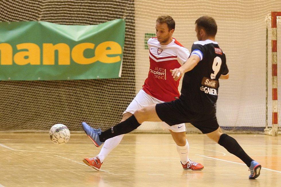 Futsalisté brněnského Tanga v pátek nestačili na pražskou Slavii a prohráli 2:5.
