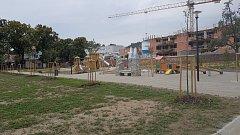 V Oslavanech otevřeli novou zámeckou zahradu