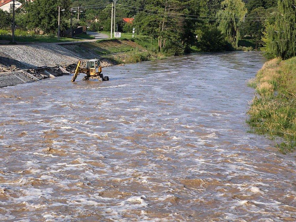 Voda na Brněnské přehradě stoupla.