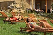 Návštěvníci si nově odpočinou ve čtyřech vířivých bazénech a lehnou si na pobytovou louku Lada.