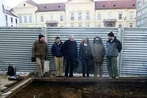 Archeologové našli jednu z nejstarších středověkých dlažeb v Brně.