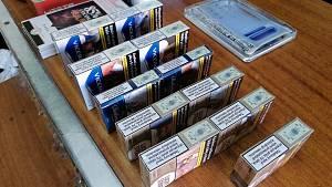Jihomoravští celníci zajistili při kontrolách více než osm tisíc kusů cigaret s neplatnou tabákovou nálepkou.
