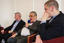 Bývalý ministr zahraničí Karel Schwarzenberg debatoval s lidmi v Brně.