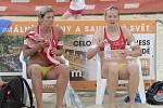 Plážoví volejbalisté odehráli Český pohár v areálu Sokolského koupaliště na Brněnské přehradě. Ve finále ženského turnaje se objevila s parťačkou Šárkou Nakládalovou také Brňanka Hana Skalníková.