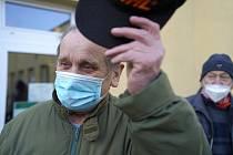 V první vlně se na jihu Moravy očkují důchodci.