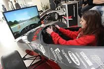Vysoké učení technické představilo výrobky svých studentů - formule i roboty.