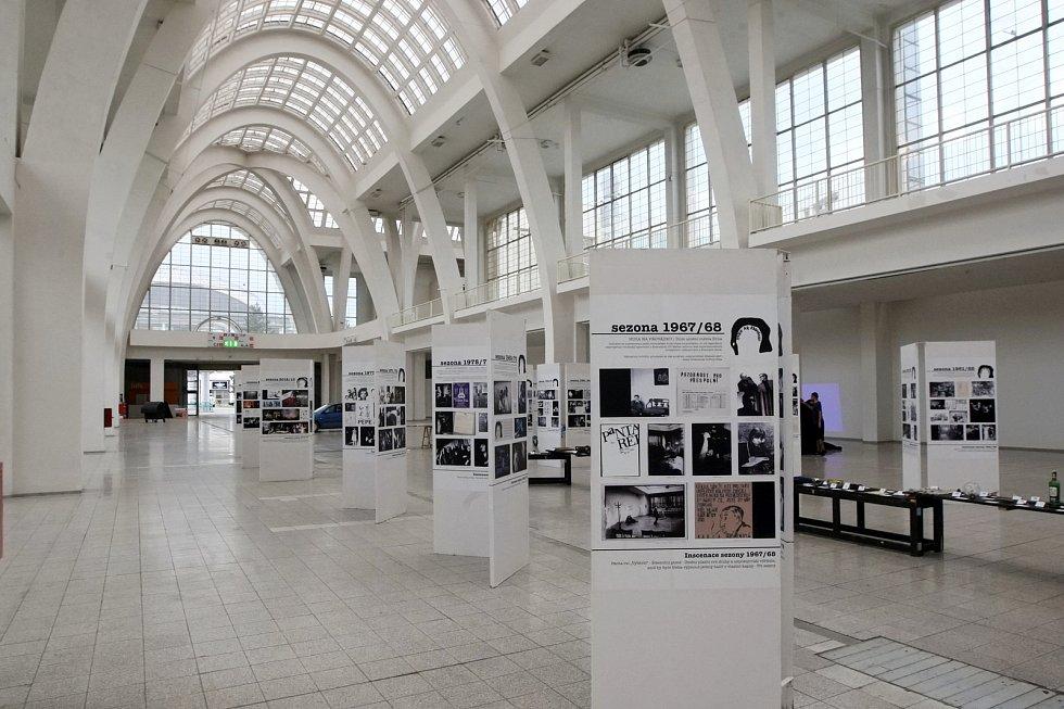 Akce a výstavy při festivalu Re:publika na brněnském výstavišti.