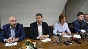 Nová brněnská koalice - zleva Oliver Pospíšil ČSSD, Petr Hladík KDU-ČSL, Markéta Vaňková ODS a Tomáš Koláčný Piráti.