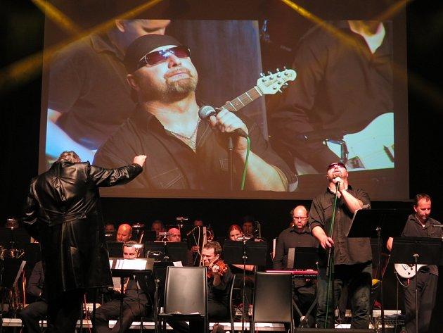 Zpěvák Jiří Zonyga si ve čtvrtek na nádvoří Špilberku zazpívá i známý hit od skupiny Deep Purple.