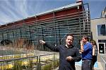 Dát si skleničku ve vodním baru přímo v bazénu nebo 7D kino nabídne od letoška Aqualand Moravia v Pasohlávkách. Do letní sezony vstupuje zařízení také s přistavěným ubytovacím komplexem. Do změn investovalo vedení zařízení 80 milionů korun.