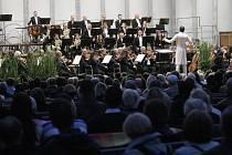 Filharmonie Brno na velkém nádvoří hradu Špilberk.