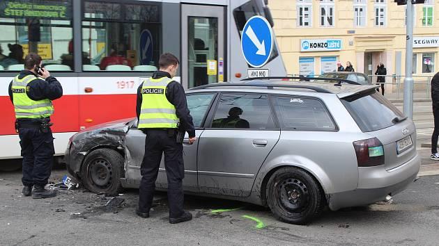 Loňská nehoda v křižovatce brněnských ulic Koliště a Milady Horákové.