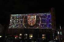 Přes tisíc lidí slavilo v Brně na náměstí Svobody konec roku 2019. Program vyvrcholil v devět hodin videomappingem.