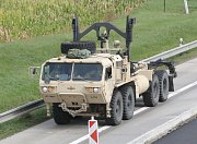 Přejezd kolony vojenských vozidel armády USA z Vyškova do Maďarska.