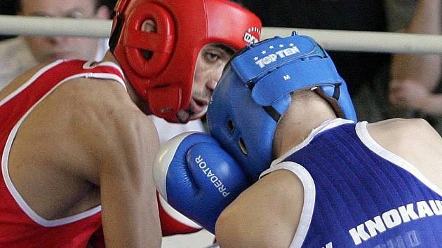 Brněnský boxer Veselý bojuje o zlatý prsten olympijského vítěze Zachary