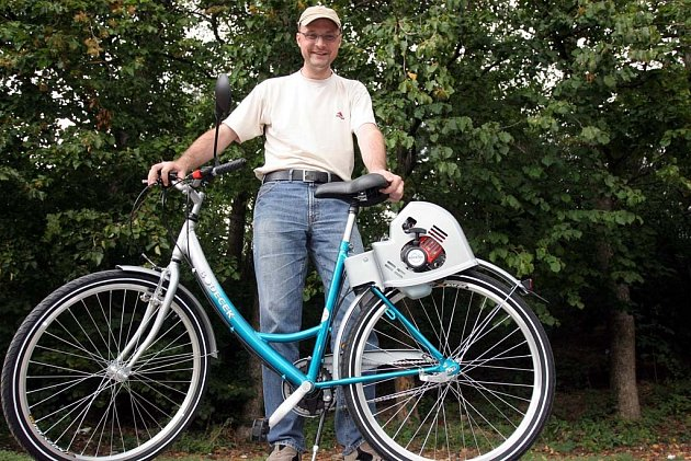 Petr Bodeček vyrábí kola poháněná motorem.