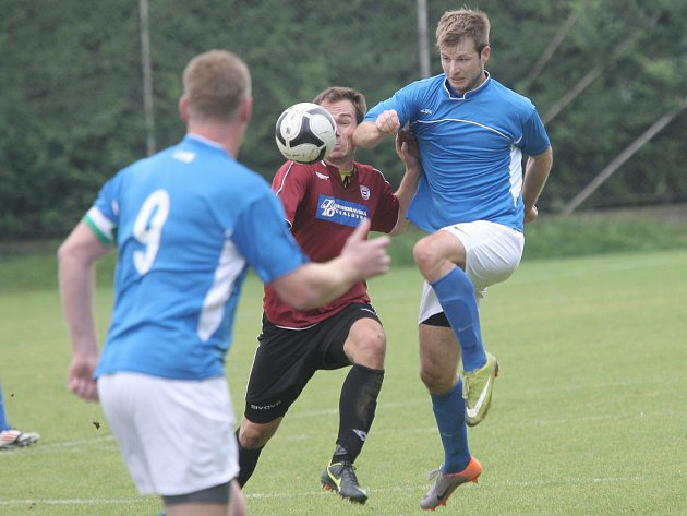 Fotbalisté Bosonoh (v modrém). Ilustrační foto.