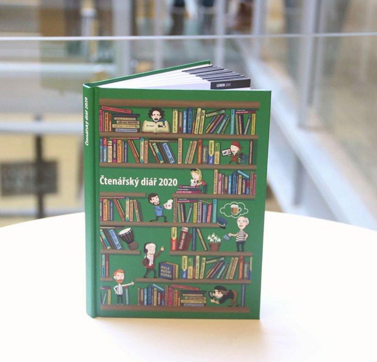 Brněnská Knihovna Jiřího Mahena již potřetí vydala čtenářský diář. Unikátní diář lidem nabídne například přehled knižních databází či pomůže s výběrem další knihy na přečtení.