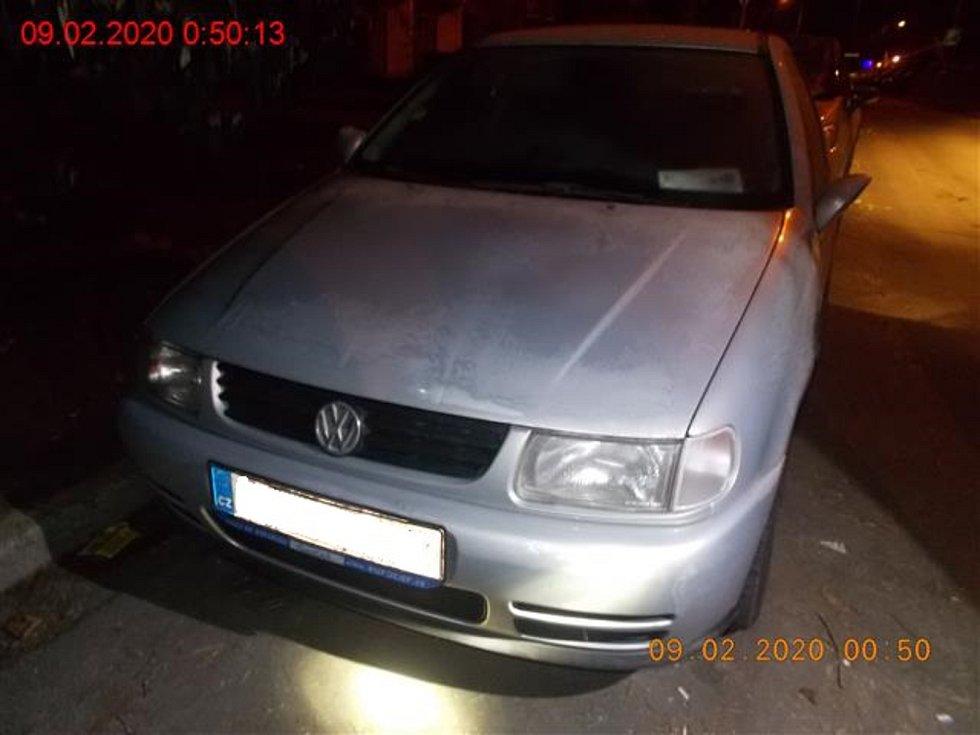 Agresor rozbíjel v Brně auta. Dopadli ho strážníci.