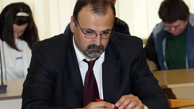 Advokát Barbory Škrlové Richard Novák.