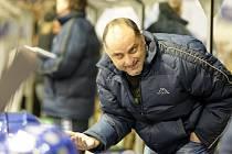 Impulzivní trenér Vladimír Kýhos, má za sebou bohatou hokejovou kariéru. Teď chce pomoci do extraligy brněnské Kometě.