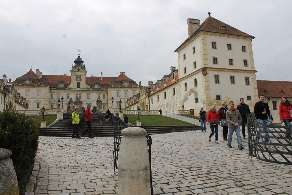 Valtický zámek přivítal první turisty.