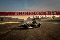 Dragon e1 na autodromu Brno.