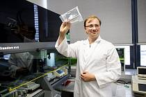 Jaká je šance, že doteď zdravý člověk onemocní rakovinou krve, dokáží zjistit brněnští lékaři díky nejnovější metodě. Představili ji ve středu na konferenci výzkumného centra CEITEC Masarykovy univerzity.