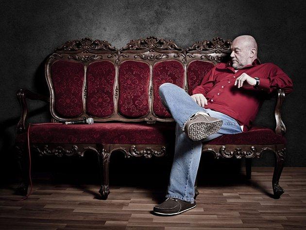 Zpěvák a skladatel Peter Lipa.