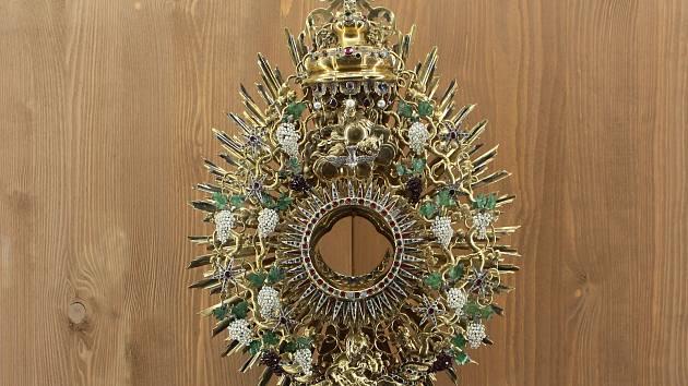 Brány klenotnice Augustiniánského opatství slavnostně otevřeli veřejnosti.