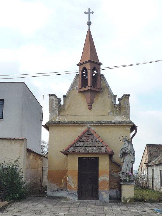 Kaplička se sochou svatého Jana Nepomuckého ve Znojmě se stala nejlépe opravenou památkou roku 2020 v kategorii drobných staveb.