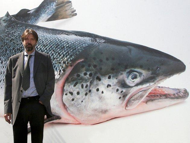 Majitel chovu Tomáš Zezula před svým projektem Moře v Brně.
