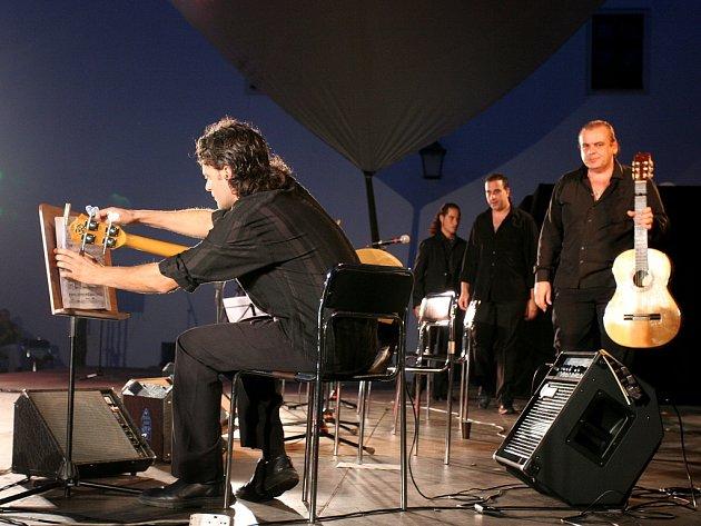 Noc plná flamenca
