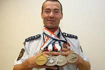 Brněnský hasič získal na Světových hrách policistů a hasičů 2011 v New Yorku jednu zlatou a tři stříbrné medaile.