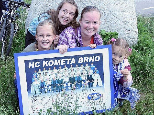 Užít si sobotní odpoledne s hráči hokejové Komety. To bylo hlavní lákadlo, na které se o víkendu snažilo přitáhnout návštěvníky zábavní centrum Olympia v Modřicích na Brněnsku.