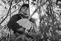 Kapelu Poletíme? založil Rudolf Brančovský v roce 2007. Je autorem písní i hudby, na nové desce Kroskántry hraje na banjo, kytaru, mandolínu i foukací harmoniku.