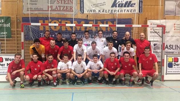 Česká reprezentace v malém fotbalu obrátila finále a obhájila triumf v Rakousku.