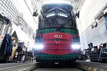 27.3.2020 - v dílnách Dopravního podniku města Brna dostali své roušky i dva Draci, tramvaje MHD.