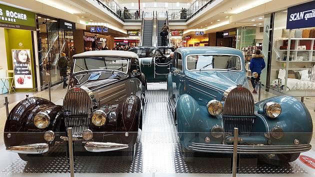 Slaví 110 let. Skvosty značky Bugatti přijely do Vaňkovky - Brněnský ... d7b1a10733