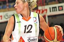 Slovenská rozehrávačka Friska Zuzana Žirková se po zranění vrátila na palubovku.