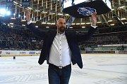 Šestý a poslední semifinalový zápas mezi domácí Kometou Brno (na snímku majitel a trenér Libor Zábranský) a Bílým Tygrům z Liberce. Domácí prohráli a sen o zlatém hattricku se jim rozplynul.