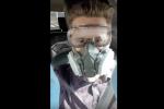 Vtipná videa ke koronaviru a karanténě, kterými si baví lidé na internetu a sociálních sítích.