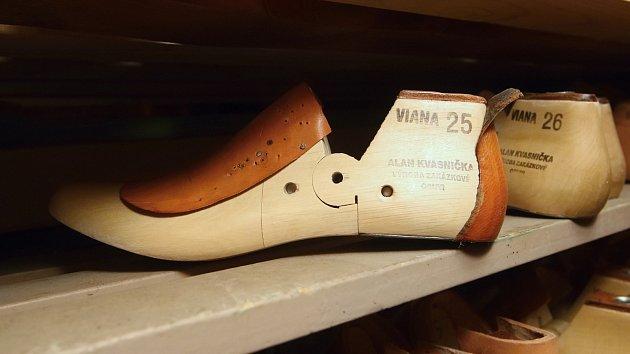 Brno 27.2.2019 - výroba zakázkové obuvi Alan Kvasnička zBrna.