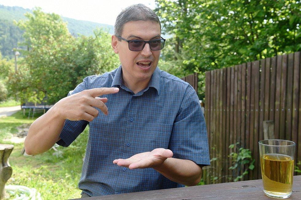 Rozhovor s politologem Michalem Pinkem.