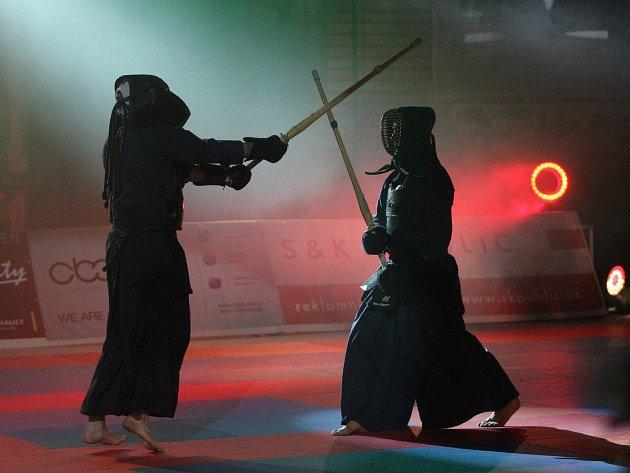 Kdo z koho? Bojovali mistři juda i samurajové.