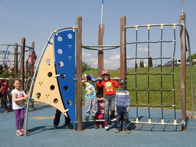 Hřiště se spoustou zábavných prvků mohou lidé od středy využít v rekreačním areálu na Kraví hoře.