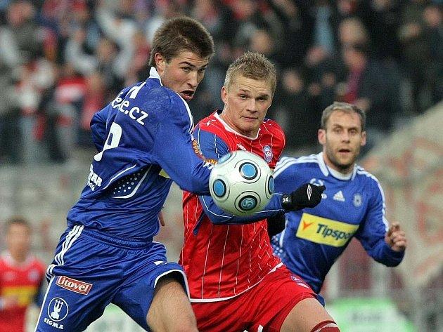SK Sigma Olomouc (v modrém) porazili Brno 5:0.