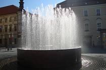 Velká kašna na náměstí Svobody.